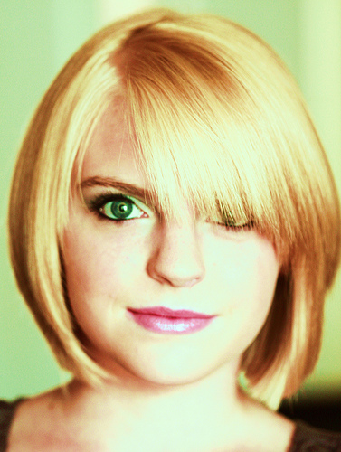 http://cranberrykiss.com/wp-content/uploads/2009/04/short-hairstyles-blond-bangs.jpg